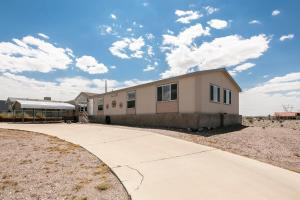 3020 Larkwood Avenue Home Home, Nyaralók  Bullhead City - big - 17