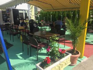 Motel Lunch & Bar - фото 9