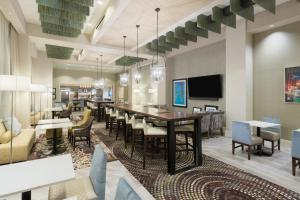 Hampton Inn & Suites Tampa Airport Avion Park Westshore, Отели  Тампа - big - 8