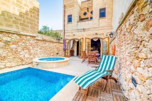 Holiday Farmhouse with Private Pool in Nadur Gozo, Prázdninové domy  Nadur - big - 1
