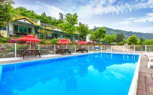 Гостиницы Южной Кореи с бассейном