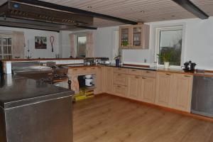 Four-Bedroom Holiday Home in Ribe, Ferienhäuser  Ribe - big - 21