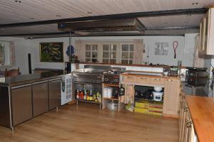 Four-Bedroom Holiday Home in Ribe, Ferienhäuser  Ribe - big - 20