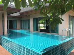 Sun Rise Pool Villa, Villák  Thalang - big - 1
