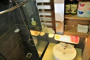 Designed 1 BR Apartment 17-7, Apartmány  Hočiminovo Mesto - big - 29