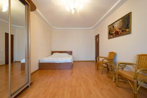 Apartment on Nikitinskoi 55