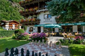 Alpenhotel Fernau - Hotel - Neustift im Stubaital