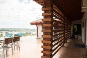 Pensiunea 4 Salcii, Гостевые дома  Băltenii de Sus - big - 41