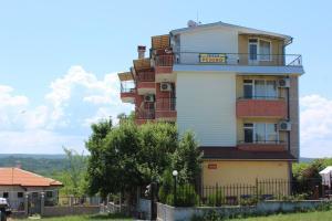 Rezovo Family Hotel