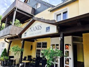 Nanis Hotel & Appartements