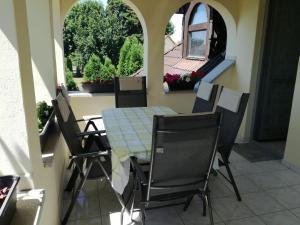 Négy Évszak Vendégház, Guest houses  Balatonboglár - big - 15