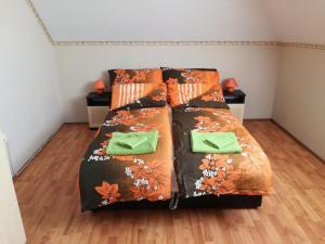 Négy Évszak Vendégház, Guest houses  Balatonboglár - big - 7