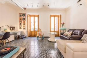 Forever Young Apartments, Olavide