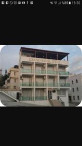 Grand Sahil Butik Otel, Bed & Breakfasts  Gulluk - big - 10