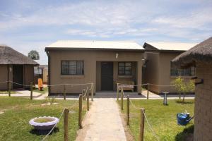 Etuna Guesthouse Court, Penzióny  Ongwediva - big - 31