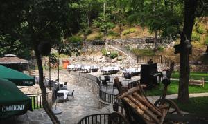 Beneks Restaurant and Bungalows, Appartamenti  Skudrinje - big - 7