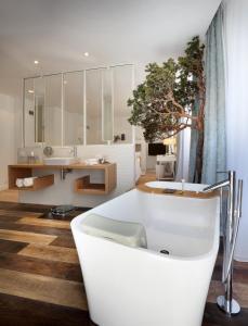 Petit Hôtel Confidentiel - Hotel - Chambéry
