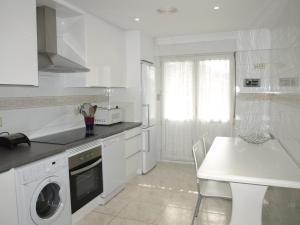 Orio - Portu, Apartments  Orio - big - 10