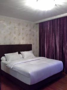 Jakarta Hotels With A Bathtub