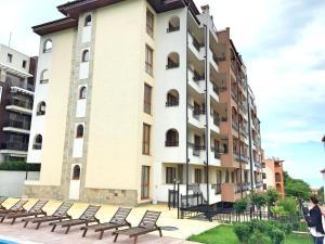 Marina Park one-bedroom apartment Saint Vlas