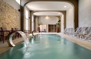 Grand Hotel Des Sablettes Plage, Curio Collection By Hilton - La Seyne-sur-Mer