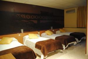 Hostal Guilleumes, Vendégházak  Monistrol - big - 10