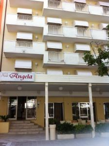 Nearby hotel : Hotel Angela