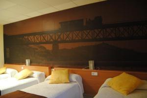 Hostal Guilleumes, Vendégházak  Monistrol - big - 11