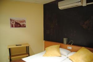 Hostal Guilleumes, Vendégházak  Monistrol - big - 9