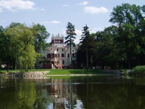 Zamek von Treskov, Отели  Strykowo - big - 1