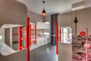 6-Bedroom (Bunk Beds Only)