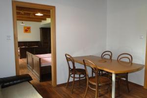 Tradiční apartmán, Aparthotels  Sněžné - big - 3
