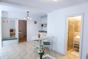 Baroc Apartments Sibiu, Апартаменты  Сибиу - big - 21
