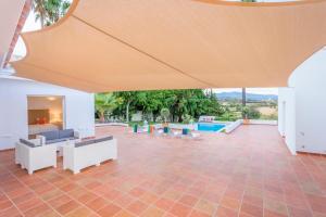 Stunning Villa with Mountain Views - Los Campitos, Ville  Estepona - big - 5