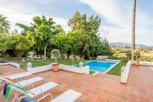 Stunning Villa with Mountain Views - Los Campitos, Ville  Estepona - big - 11