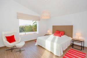 Stunning Villa with Mountain Views - Los Campitos, Ville  Estepona - big - 17