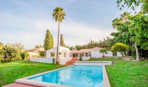 Stunning Villa with Mountain Views - Los Campitos, Ville  Estepona - big - 25