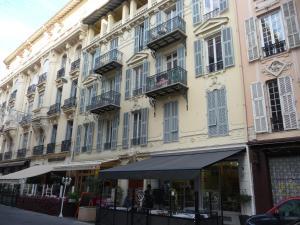 Nice centre à deux pas de la mer, Ferienwohnungen  Nizza - big - 6