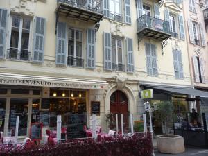 Nice centre à deux pas de la mer, Ferienwohnungen  Nizza - big - 8