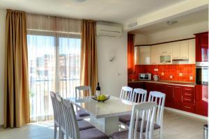 LuxApart Monte, Апартаменты  Бар - big - 28