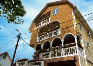 Гостевой дом Цветочная поляна, Адлер