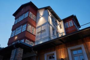 Residence Sněžka, Ferienwohnungen  Pec pod Sněžkou - big - 24