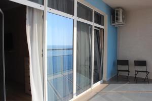 Apartment in San-Marina, Apartmány  Lazarevskoye - big - 16