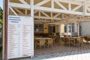 Hotel Tiberius, Hotels  Costinesti - big - 24
