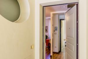 Casa Rebecca in Brera, Apartmány  Miláno - big - 4