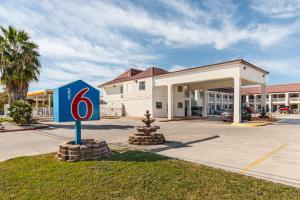 obrázek - Motel 6 San Marcos, TX – North