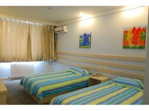 hotel near Taian Super 8 Tanan Railway Station