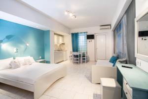 Balito, Aparthotely  Kato Galatas - big - 12