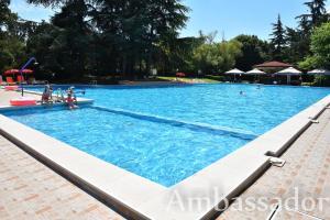 Варна - Hotel Ambassador
