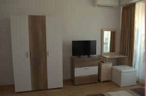 Luxury Apartment in Carpe Vita complex, Apartments  St. St. Constantine and Helena - big - 15